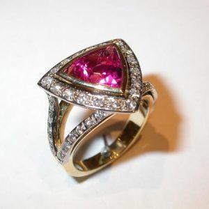 Bague or jaune, tourmaline, diamants