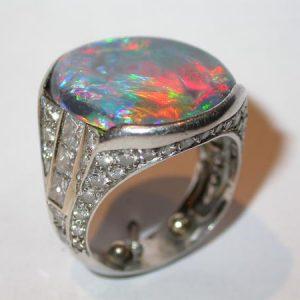 Bague platine, opale noire, diamants