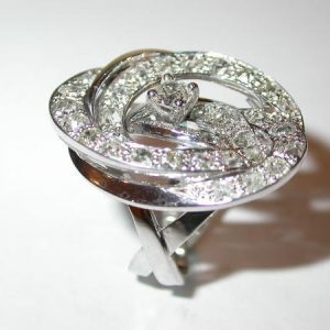 Bague tourbillon or blanc diamants