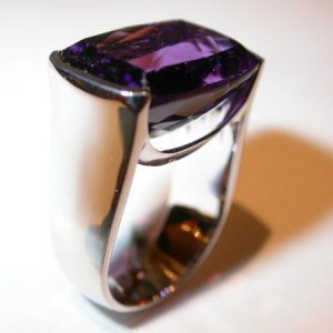 Bague or blanc, amethyste