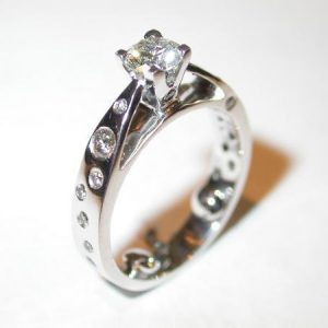 Solitaire or blanc, diamants