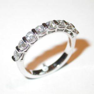 Alliance or blanc, diamants, barrettes et bordures