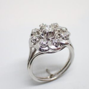 Bague «marguerite» diamants