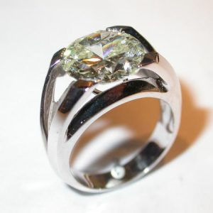 Bague or blanc, diamant 4,18 carats