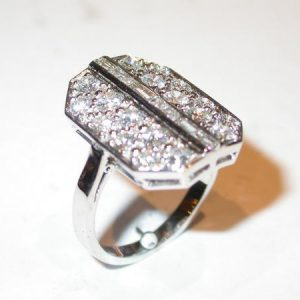 Bague or blanc, diamants baguettes, art deco