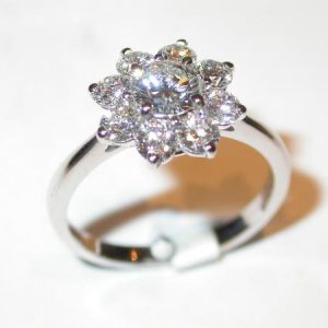 Bague or blanc, marguerite, diamants
