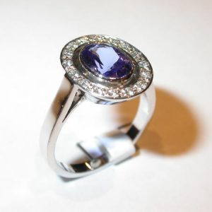 Bague or blanc, tanzanite, diamants