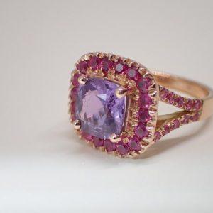 Bague saphirs violet et roses