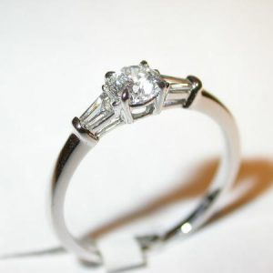 Bague solitaire, diamants