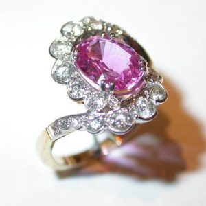 Bague tourbillon, saphir rose, diamants
