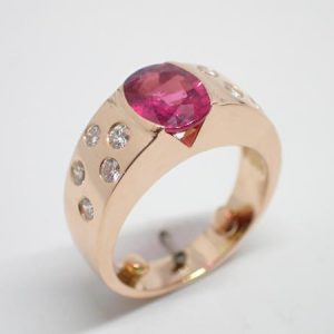 Bague tourmaline, or rouge, diamants