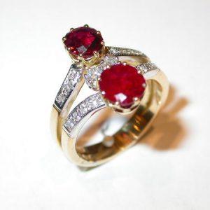 Bague toi et moi, rubis, diamants