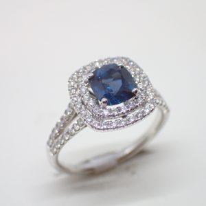 Bague double entourage saphir diamants