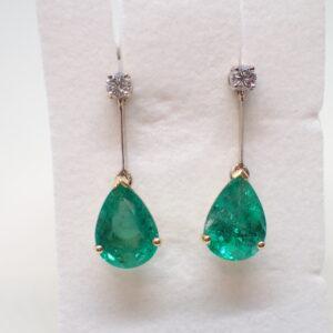 Pendants d'oreilles émeraudes poires et diamants