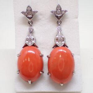 Pendants d'oreilles or diamants et corail naturel