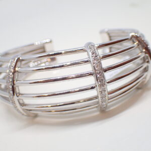 Bracelet manchette or blanc et diamants