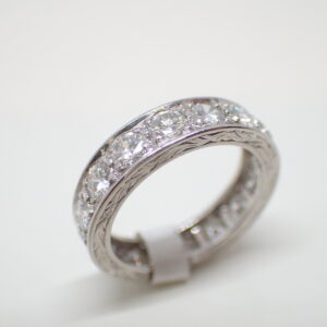 Alliance ruban platine et diamants Art Déco