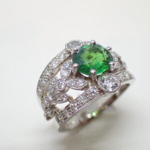 Bague platine diamants grenat tsavorite