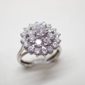 Bague marguerite double entourage diamants
