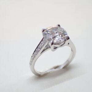 solitaire platine et diamant 2,02 carats