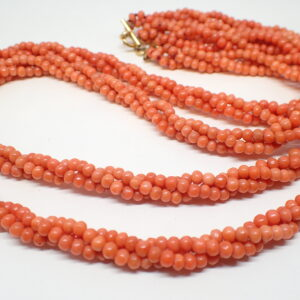 Grand collier de corail naturel
