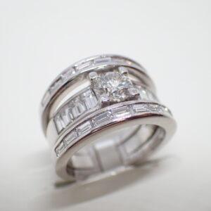 Bague or blanc diamants baguettes
