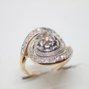 Bague tourbillon or et diamants vers 1900
