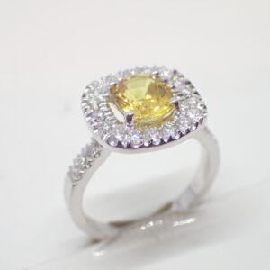 Bague diamants et saphir coussin